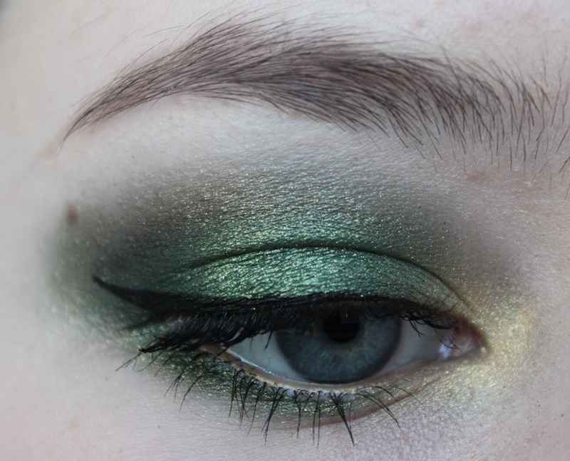 Color of the year emerald mit drogerie produkten - Gesicht konturieren produkte ...