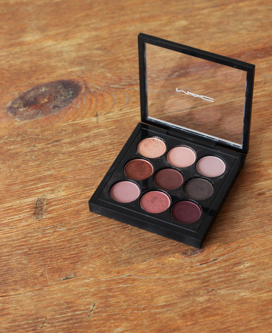 mac burgundy x 9 lidschatten palette cream 39 s beauty blog. Black Bedroom Furniture Sets. Home Design Ideas
