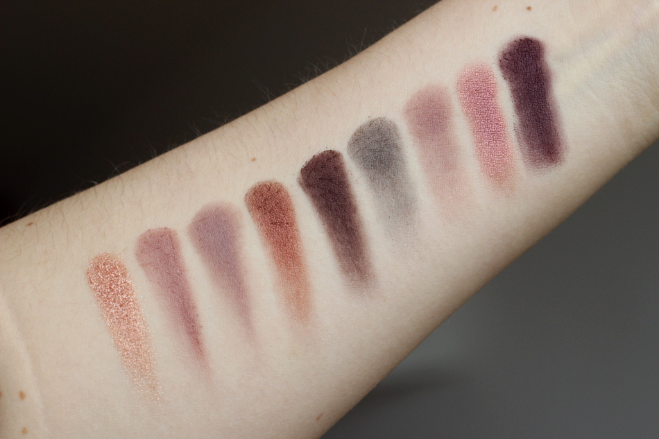 MAC Burgundy x 9 Lidschatten Palette Swatches
