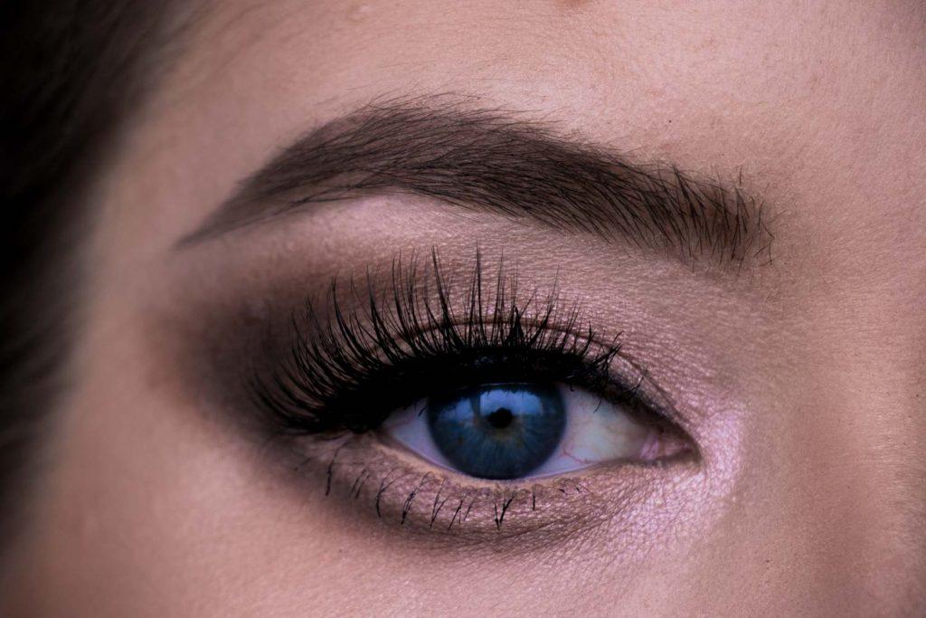 Augen größer schminken