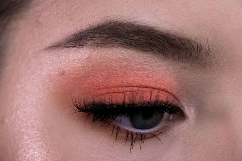 Make Up Look Peach Violet