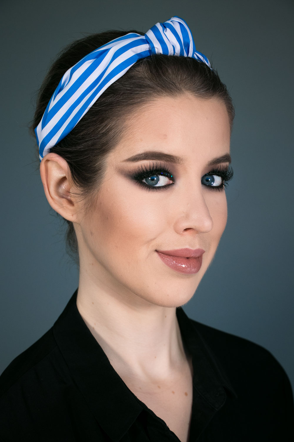 schwarze Smokey Eyes