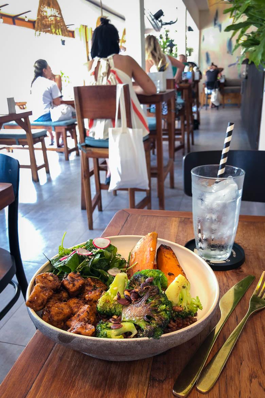 Bali Restaurant & Café Guide