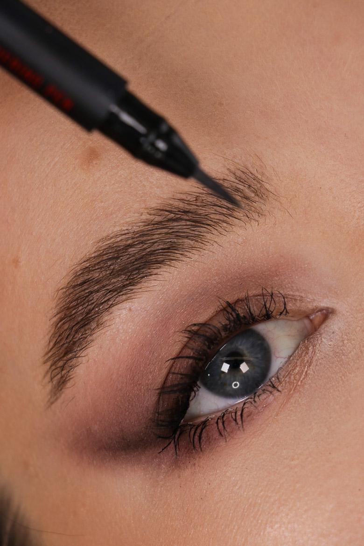 Ardell Stroke A Brow flüssiger Augenbrauenstift