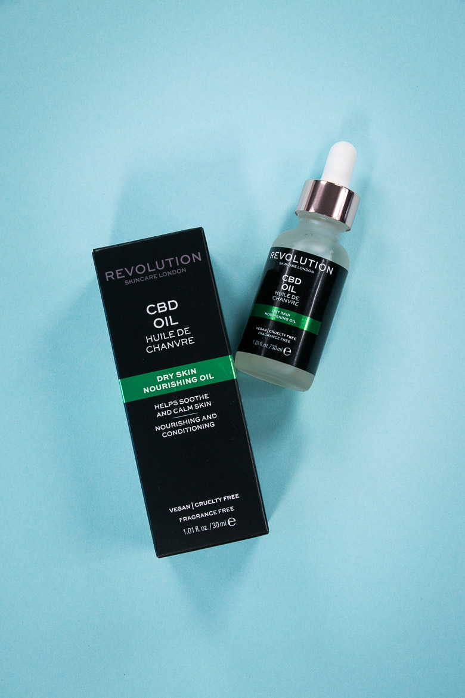 CBD Gesichtsöl für trockene Haut