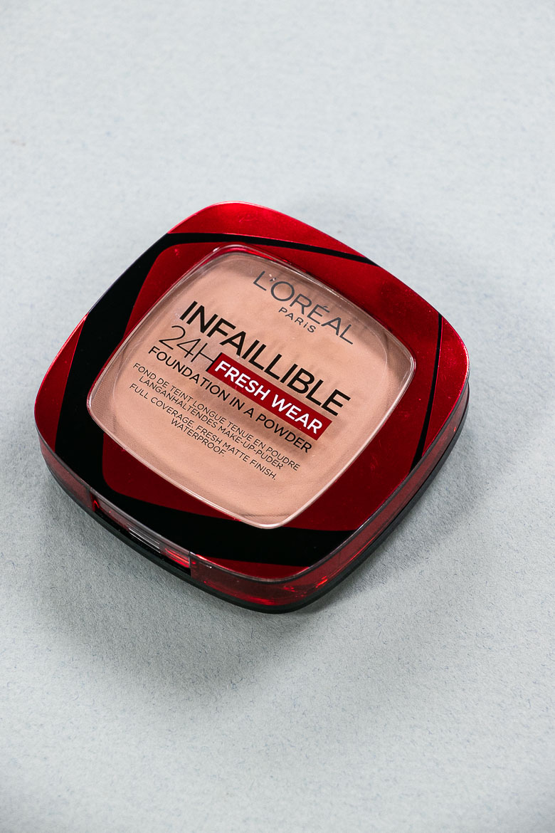 L'Oreal Infaillible 24H Fresh Wear Puder Foundation