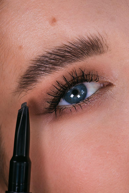Nudestix Stylus Augenbrauenstift Close up
