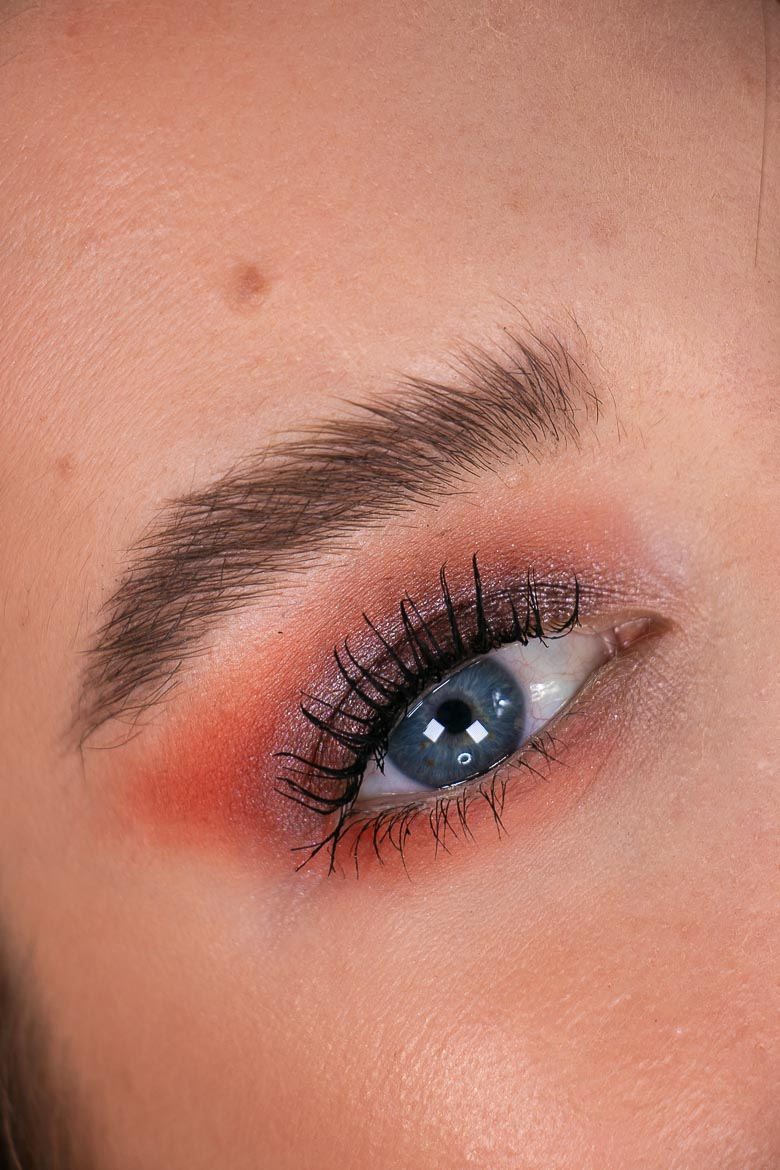 Catrice 3D Brow Two-Tone Augenbrauen Pomade Close up